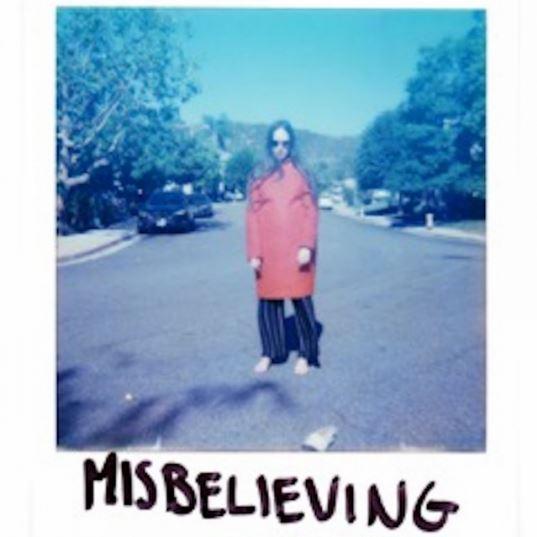 دانلود آهنگ جدید Allie X به نام Misbelieving