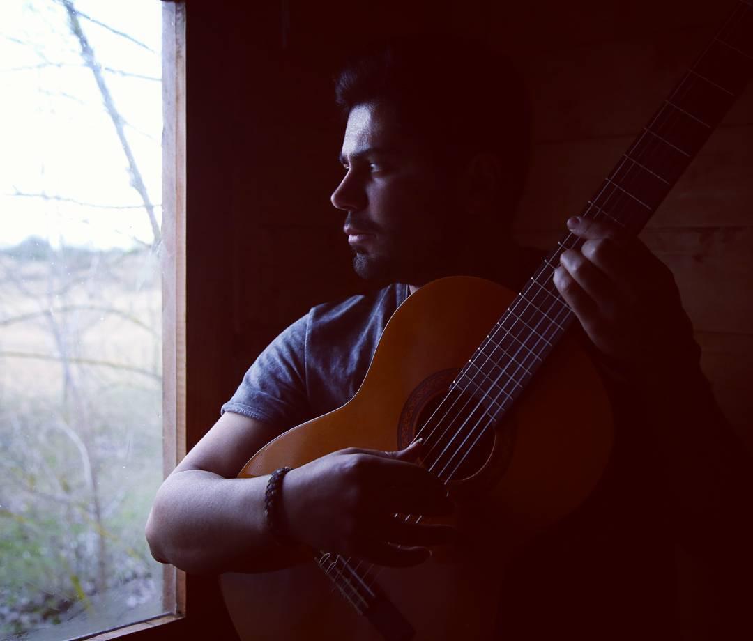 دانلود آهنگ جدید فرهام بنام بزار برو دلم شکسته خستم